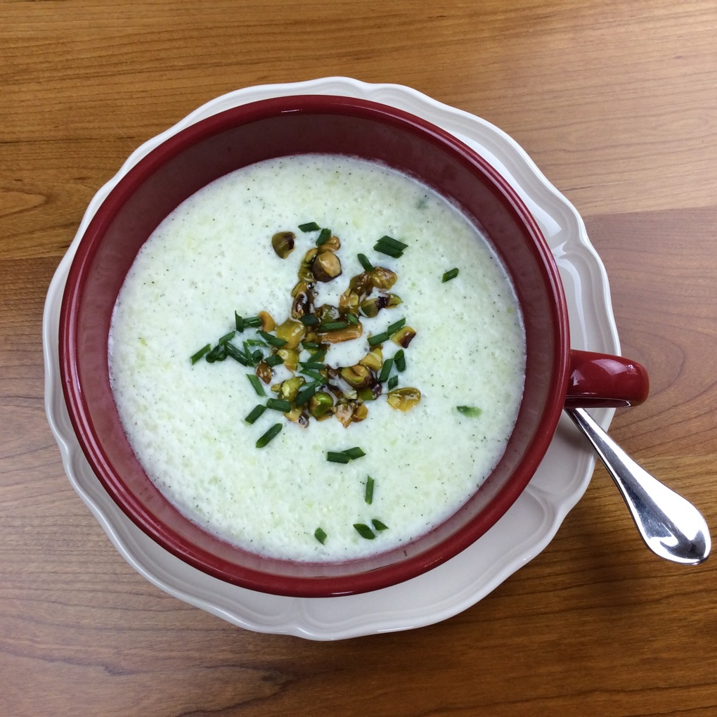 Tarato - A cold soup with buttered pistachios